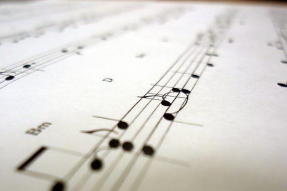 Concert 'Tossudament Llach' amb Manu Guix, Elena Gadel, Roger Padullés i Beth